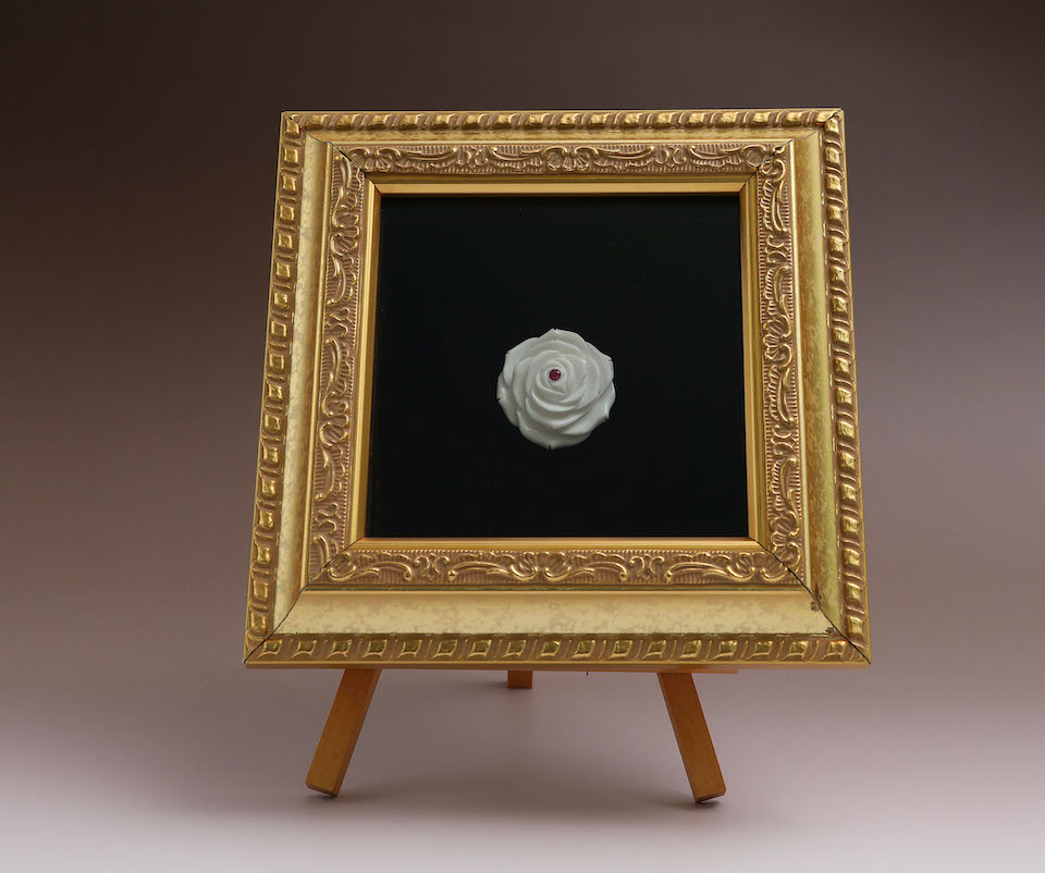 049「薔薇ブローチ」額